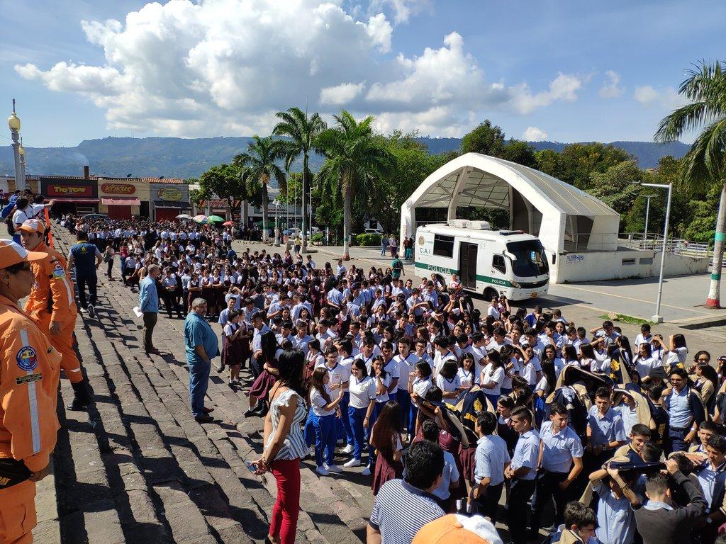 Públicos y privados participaron del Simulacro Nacional