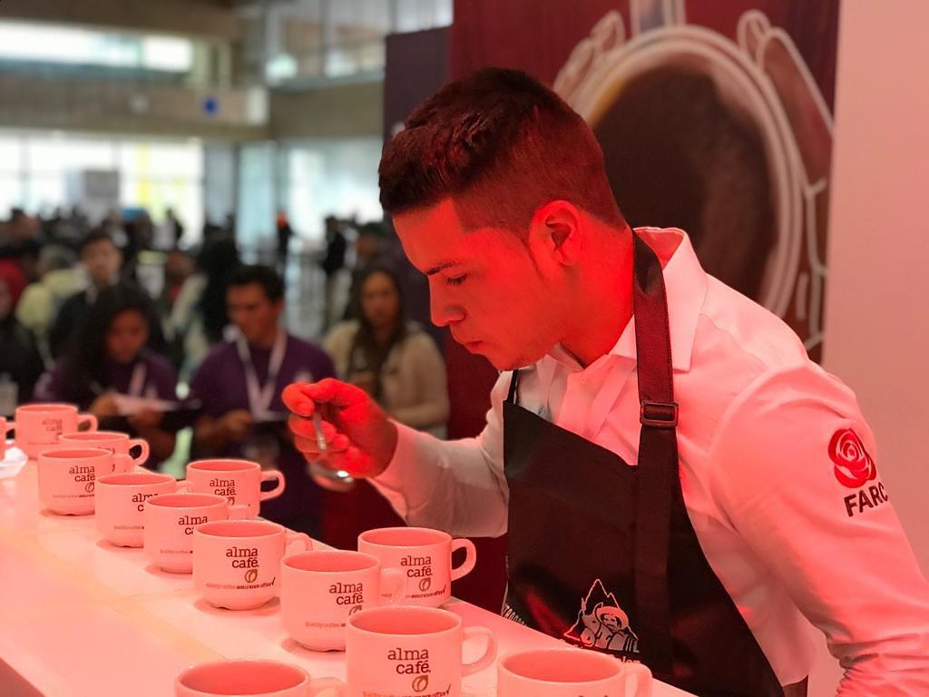 Exguerrillero de las Farc premiado como catador de café
