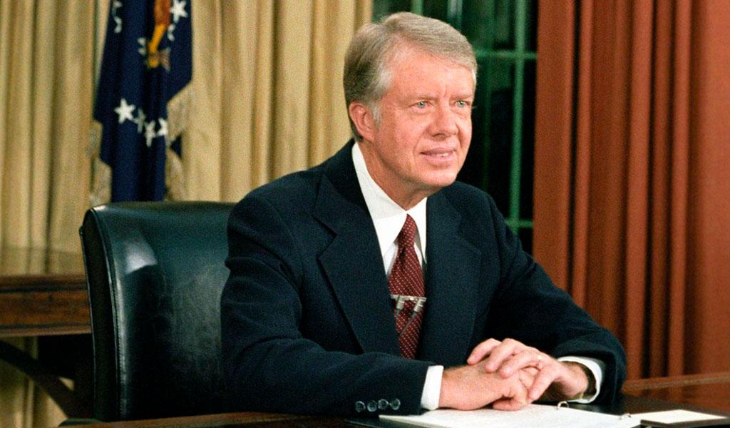 Expresidente Jimmy Carter fue hospitalizado