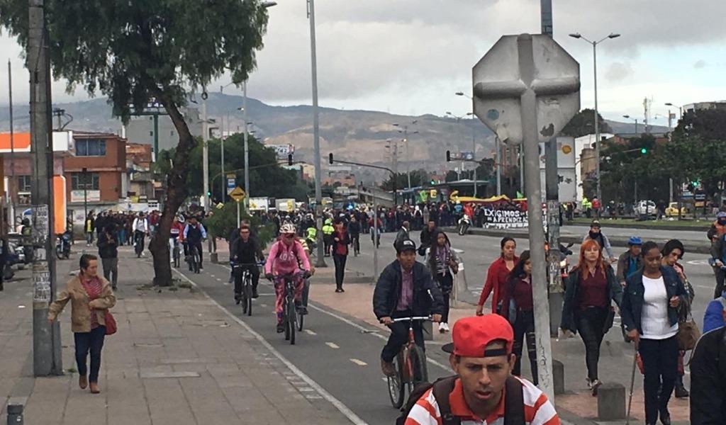 Bloqueos en Bogotá por marchas de estudiantes del Sena