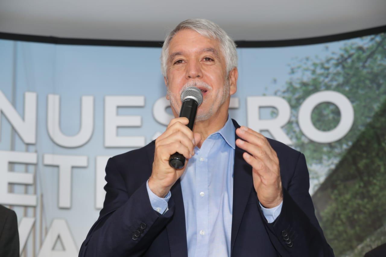 Futuro alcalde de Bogotá no podrá frenar el Metro, Peñalosa
