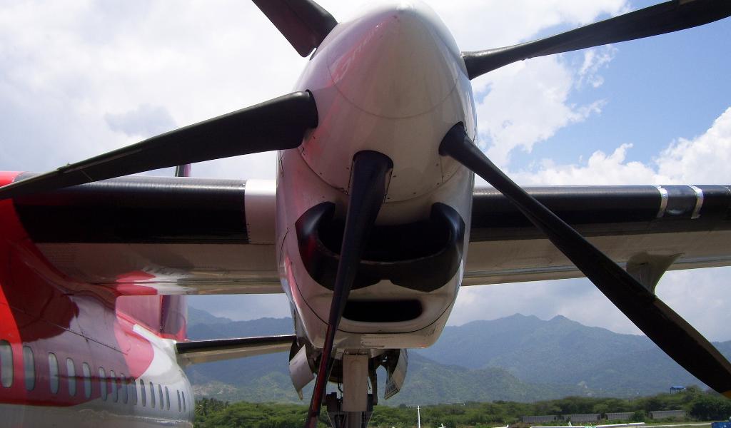 """Fokker 50 de Air Panama son """"seguros y confiables"""""""