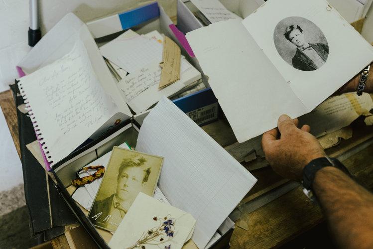 Un escritor que dejó la poesía por viajar