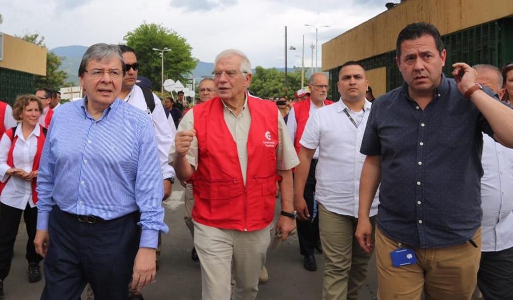 """""""Seguiremos recibiendo venezolanos"""", Holmes Trujillo"""