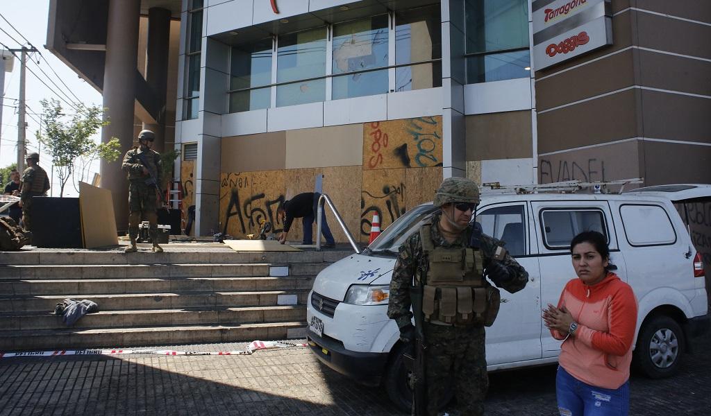Ejército chileno declara nuevamente toque de queda
