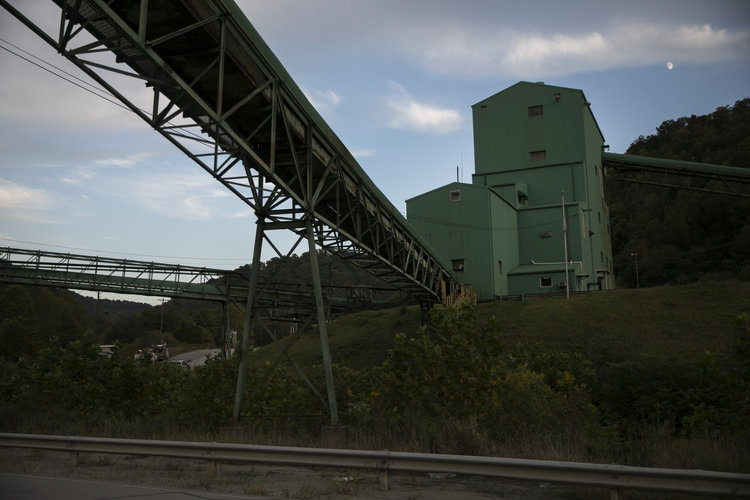 Si el carbón decae, las mujeres deben trabajar