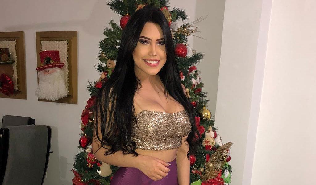 Ana del Castillo pide perdón a Iván Villazón
