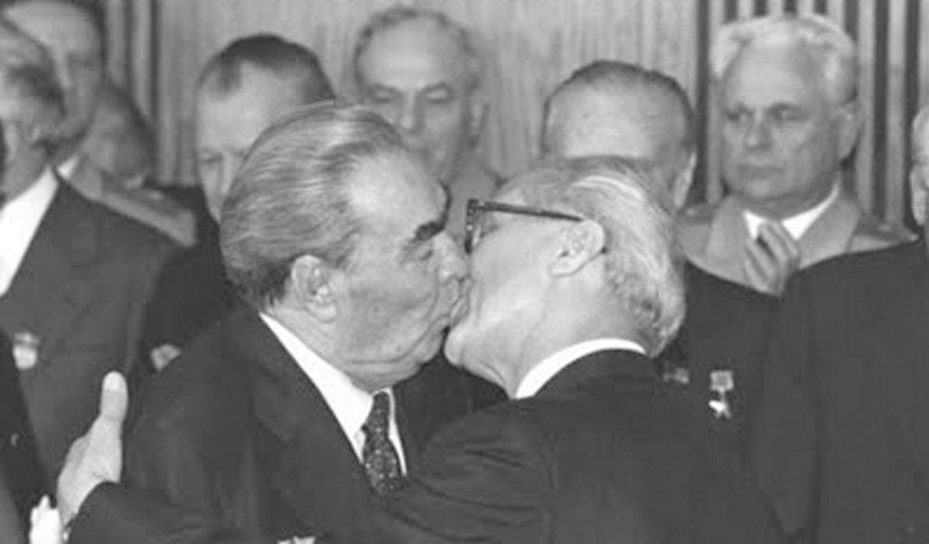 beso, muro de Berlín, guerra, Alemania, líderes comunistas, fotos