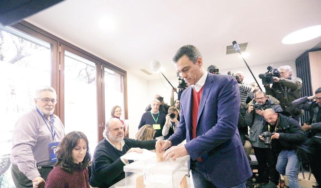 Españoles a las urnas para poner fin al bloqueo político