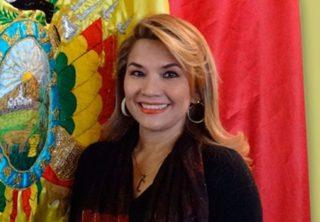 Presidenta de Bolivia pedirá a México que Morales no hable de política
