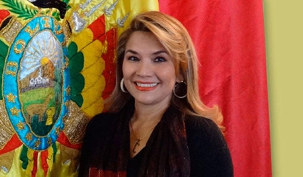 Presidenta de facto de Bolivia promulgará la ley de elecciones