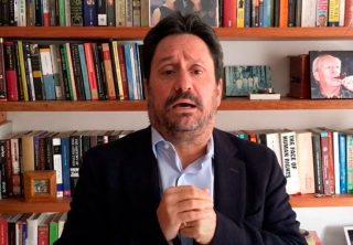 Razones de Pacho Santos para dejar la embajada
