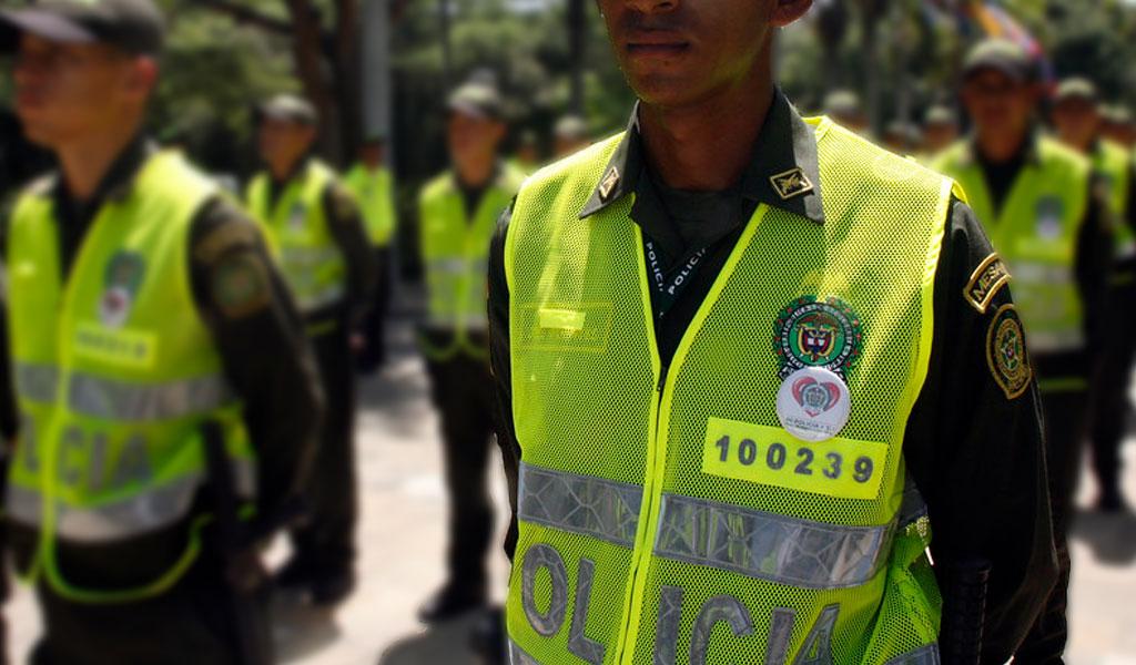 Investigarán al policía que humilló a un ciudadano