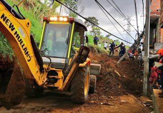Emergencia en Santo Domingo Savio por deslizamiento