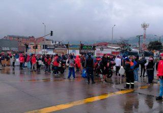 Colapso en Bogotá: estaciones de TransMilenio bloqueadas