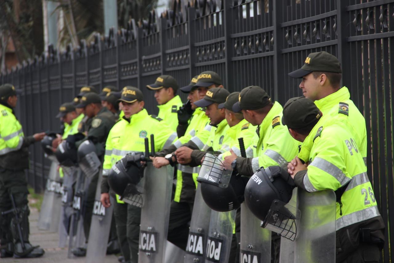 Más de 300 policías heridos durante paro nacional