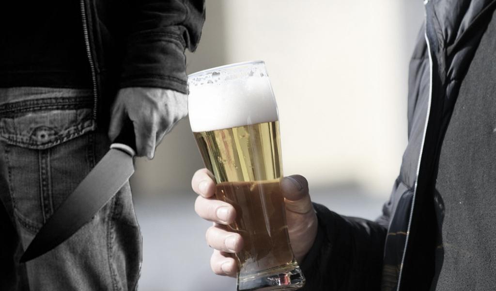 Se negó a regalar una cerveza y lo mataron de una puñalada