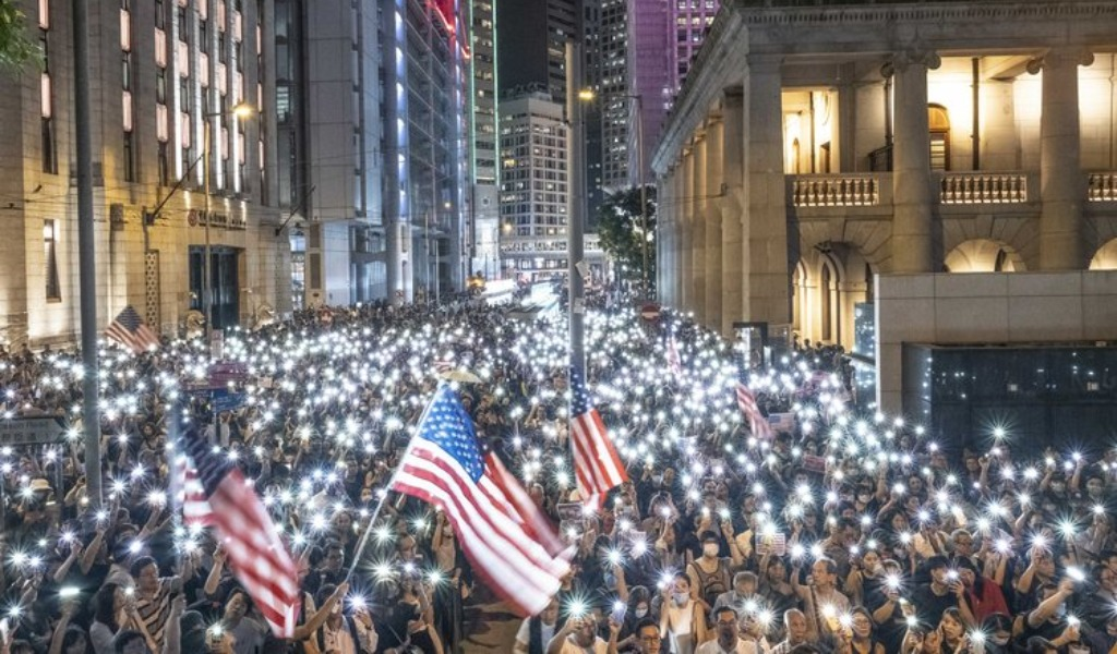 Buscan ayuda de EE.UU por lío en Hong Kong