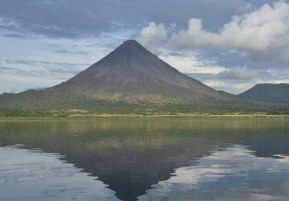El lago Arenal luego de una catástrofe en Costa Rica