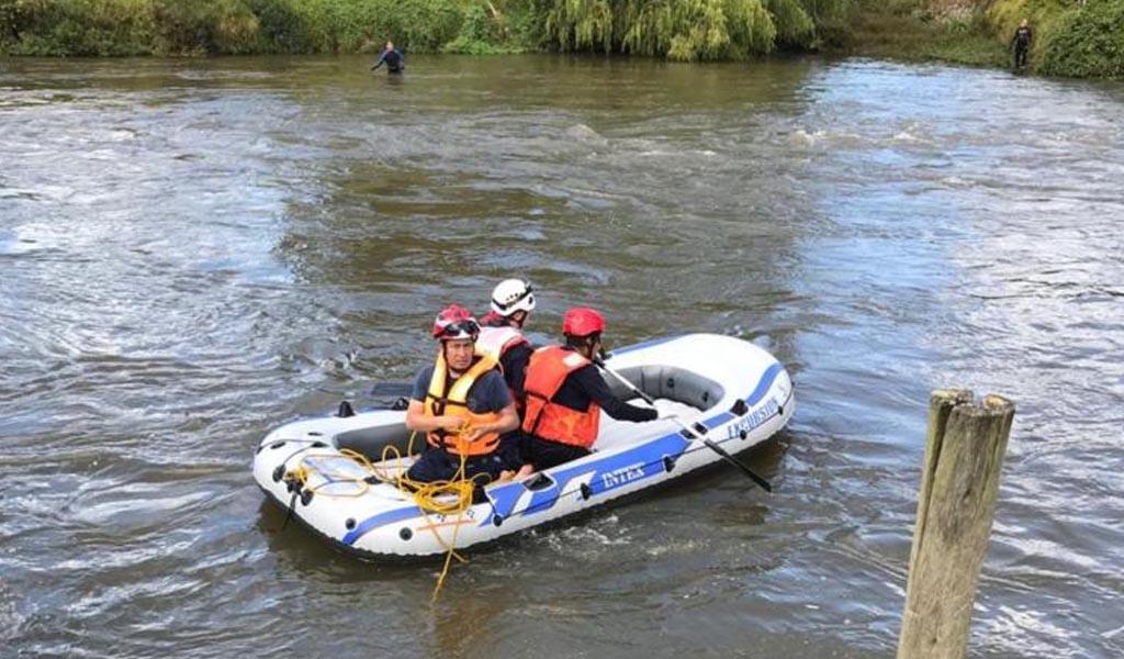 Desesperada búsqueda de un niño que cayó al río Bogotá