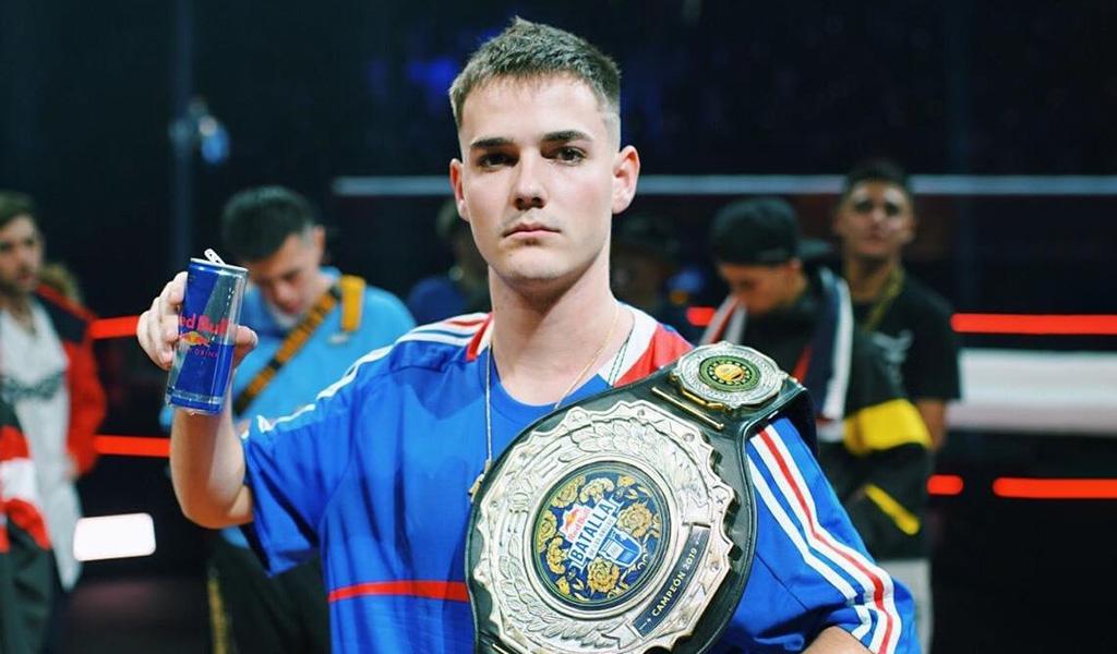 Bnet campeón de la Final Internacional Red Bull Batalla de Gallos