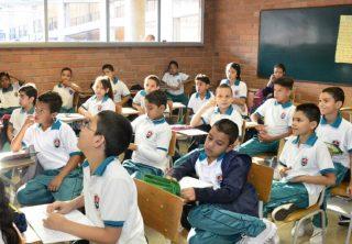 Medellín registró la deserción escolar más baja en 14 años