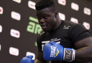 'Hulk senegalés' debuta con un violento nocaut en la MMA