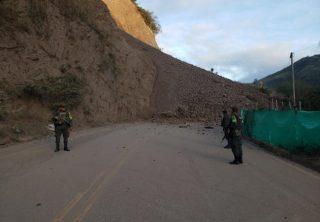 Cerrada vía Medellín-Urabá por derrumbe