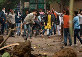 Disturbios en Nueva Delhi por rechazo a ley de ciudadanía