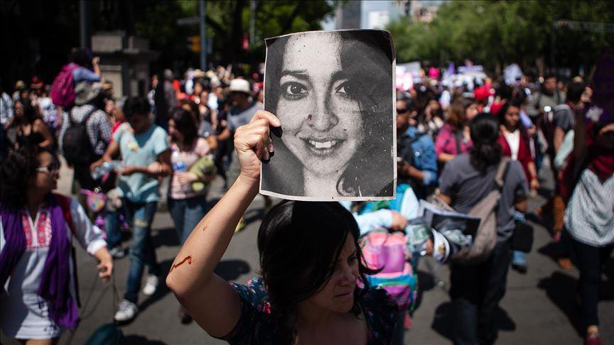 Hasta 20 años de cárcel para quienes ataquen con ácido a mujeres
