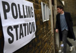 Reino Unido toma en las urnas decisión crucial sobre Brexit