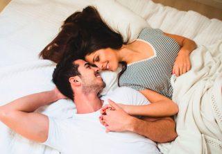 ¿Por qué recomiendan a las parejas dormir separados?