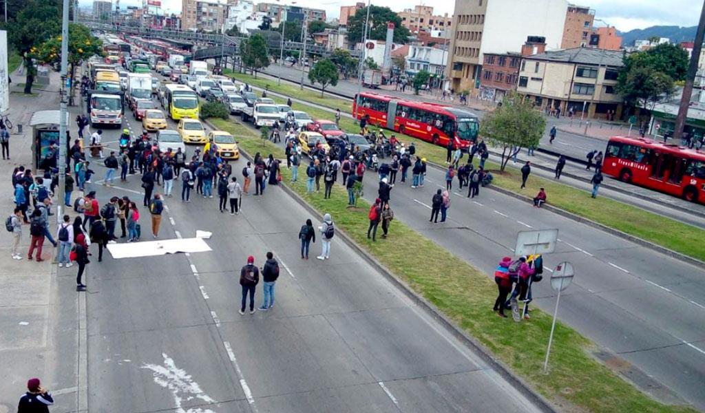 Esmad controla protestas en la U. Nacional