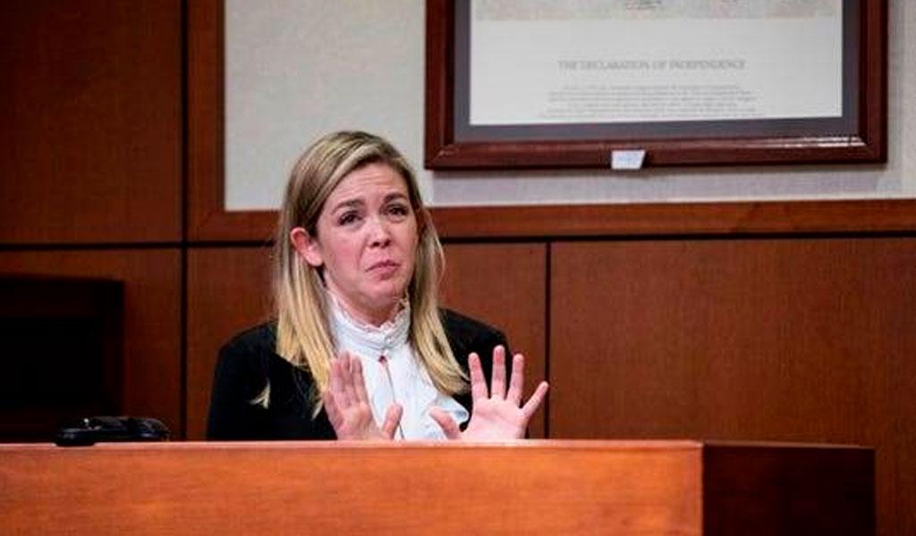 Jueza es suspendida por hacer un trío en un tribunal