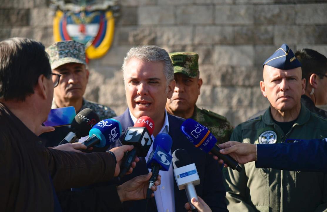 """""""Atentado del Eln a la Fuerza Aérea es un acto cobarde"""": Duque"""