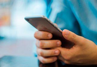 Apple lanzará nuevo iPhone en marzo