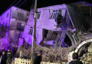 Fuerte terremoto sacudió a Turquía
