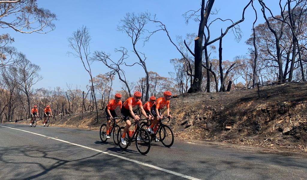 Pese a incendios se mantiene el Tour Down Under