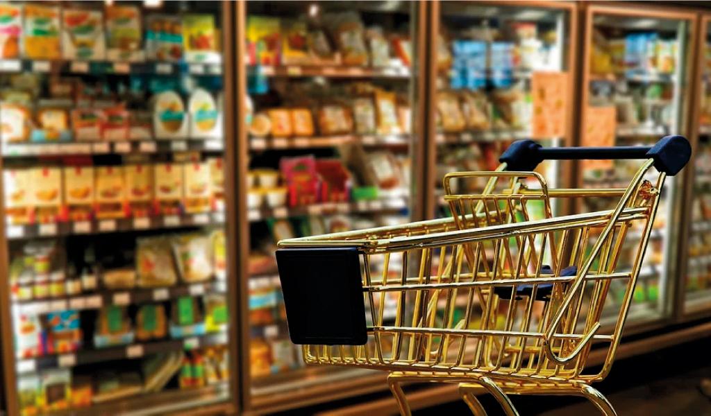 Plan para reducir contaminación plástica en supermercados