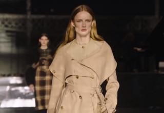 Burberry cierra con broche de oro la London Fashion Week