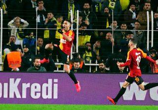 Falcao rugió con un super gol en el clásico turco