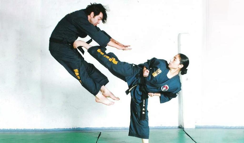 La colombiana cinturón negro y cuarto dan en hapkido