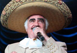 Vicente Fernández, 80 años de vida y música